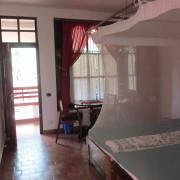 07-Luftige-und-räumige-Zimmer-mit-viel-und-ausgiebigen-Balkon