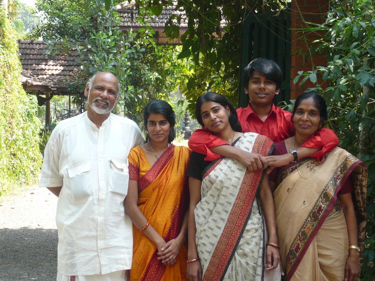 Die-Gastgeber-Familie-Moozhiyil