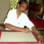 Buchbinden im BASIS Camp Kerala