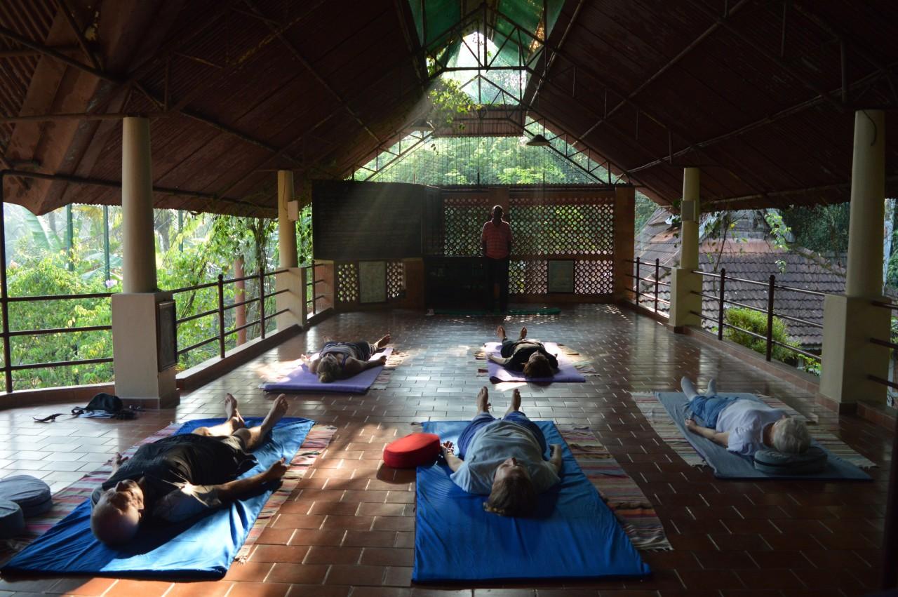 BASIS Reisen Indien, Yoga ergänzt die Ayurveda-Kur